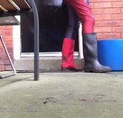 Arikajira Wellies Fetish 4 - I have been doing some mud stomping wellies videos this morning, i went for a theme, as I have the most awesome pair of leggings, I ended up in different colour wellies, one made of black rubber and one made of red PVC, I got them nice and muddy whilst out in typical messy UK weather!! This video shows me cleaning them off and showing off the mud