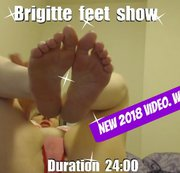 Watch French Brigitte applying nail polish on her tiny feet and hands and making your feet fetish... whipping