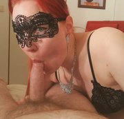 Bought her a new glitter necklace and she rewarded me with an blowjob