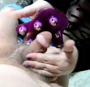 Wichsen mit Massageroller Handschuh