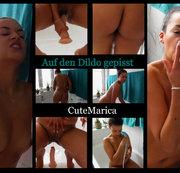Auf den Dildo gepisst