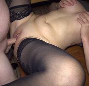 Blank in Pussy und Arsch gefickt