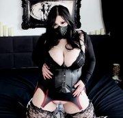 Anal - Gothic Babe den Arsch vollgepumpt!
