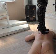 Trampling-Meine Stiefel auf deinem Rücken