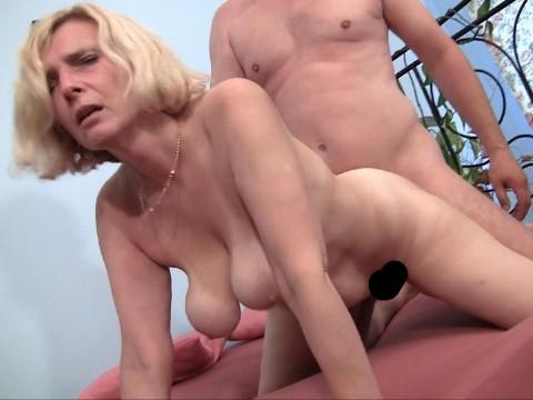 Haarige Muschisaft Outdoor Gruppensex