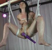 Aufgehangen und auseinander gezogen 2