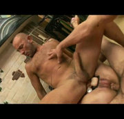bisexual sextaoe in the sauna with xxl top guy