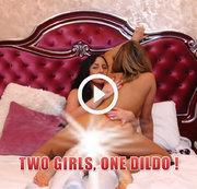 zwei Mädchen, ein Dildo!