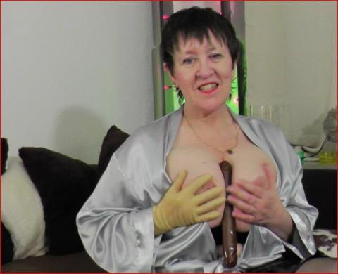 Dame Taetowierte Brustwarzen Ficksahne