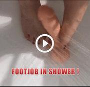 Footjob in der Dusche!