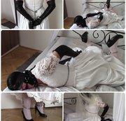 Braut in Handschellen und Ketten