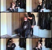 Lederfriseur, Teil eins: Shaving Sissy
