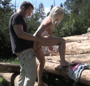 Blondine im Wald gefickt!!!