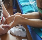 SERTIEL: Twink sneaker shoes, ankle socks and barefoot feetjob Download