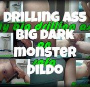 Boren kont grote donkere monster dildo