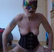 ZICKENPUSSY: Zicken Pussy reitet großen schwarzen Dildo Webcam Video Download