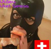 Deepthroating mit Maske und Gummi Lippen :D