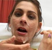 Arschfick Latina kriegt die Sahne ins Gesicht gespritzt
