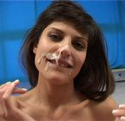 CALISE: Latina kriegt die Soße ins Gesicht gespritzt Download