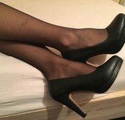 High Heels und Nylons bringen mich in Extase