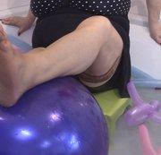 Luftballons, Nylons, Wasser.. Spaß mit lila und mehr !! NON-POP!