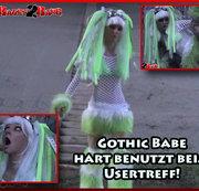 Gothic Babe hart benutzt beim Usertreff!