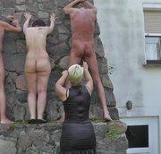Zwei Sklaven und eine Sklavin ausgepeitscht