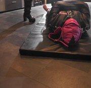 Subbi Trampling in Zwangsjacke mit brachialen Boots