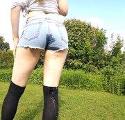 FREAKART: Kurze Hose, hohe Socken ;) Download