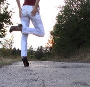 FREAKART: heels, weiße Hose, und? Download