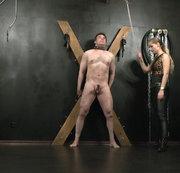 3 Sklaven gleichzeitig für unberechtigtes Wichsen bestraft!