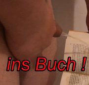 Ins Buch pissen und im Öffentlichen Klo ablegen !