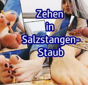 Zehen in Salzstangen-Staub