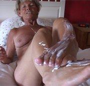 Für Fußfetischisten.Füße eincremen