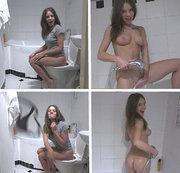 Der Stiefbruder spioniert mich in der Toilette aus