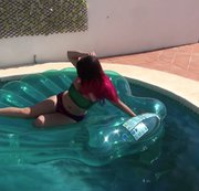 Giant Clam Inflate & Pool Play HD