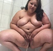Voll in die Dusche gepisst