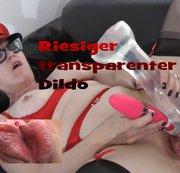 Riesiger transparenter Dildo