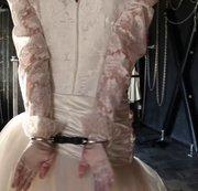 Handschellen Brautkleid