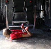 Lycrabody Rot-Hogtied Selbstfesslung mit Handschellen