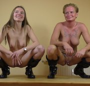 Karina & Mary - Dildo & Sekt