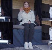 Anna. Casting Bus. Schuhe, Socken und Füße. Interview und Fußmassage. Teil 1 von 4
