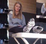Lisa. Casting Bus.  Interview. Socken und Füße ins Gesicht. Sohlen küssen.