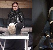 Anna erneut im Casting Bus - Interview und Schwanz rubbeln TEIL 1 von 2