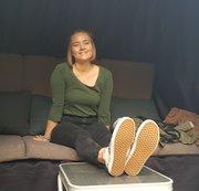 Pia. Casting Bus. Interview und Fussmassage. Teil 1