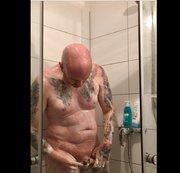 Rasierer + Dusche