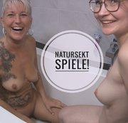 TINYEMILY: Geiler Lesbo Natursekt Spaß! Download