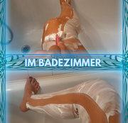 Im Badezimmer..