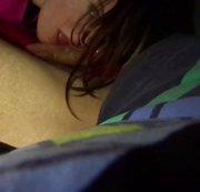 Blowjob unter der Bettdecke :-)
