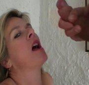 spermabelohnung mitten im treppenhaus